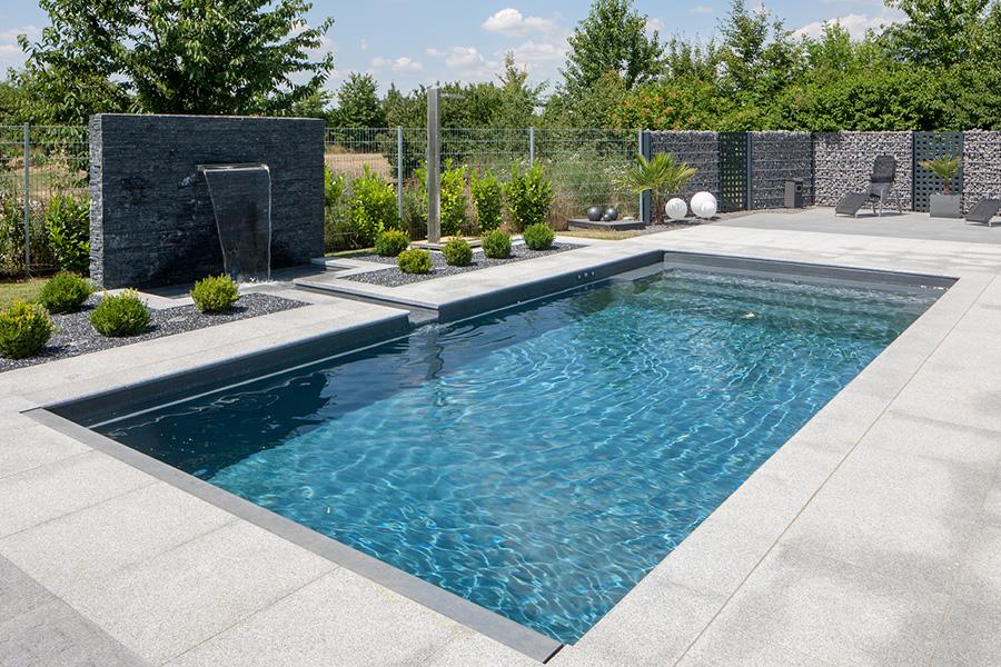 Schwimmbad und technik well solutions wellness anlagen for Pool im boden